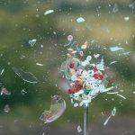 【地震の備え】食器・ガラスの破片でケガしない為の食器戸棚対策