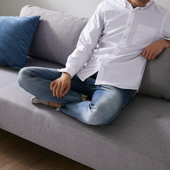 あぐらもかけるロウヤのソファ