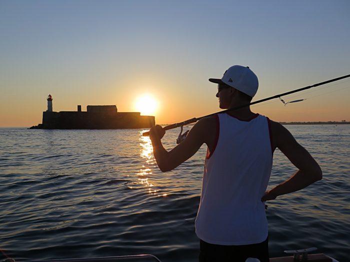 釣りする男性